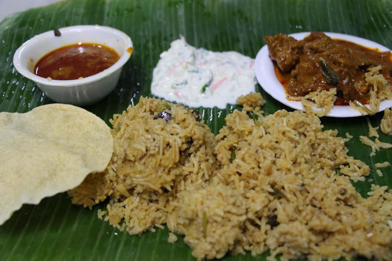 Et celui-ci à manger à l'indienne, avec les doigts