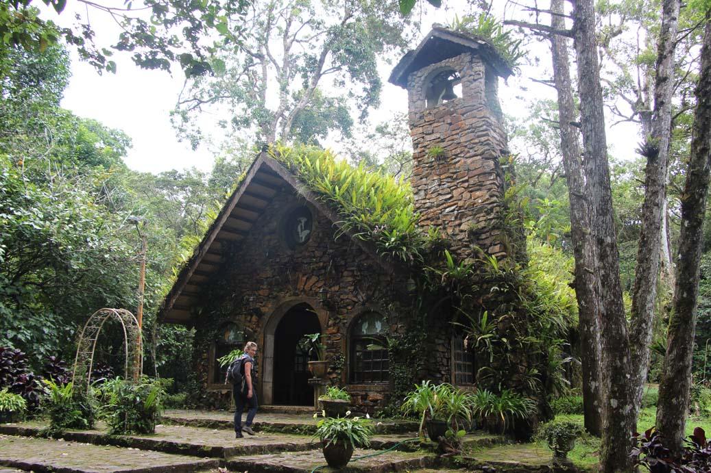 Une chapelle dans la plantation de café