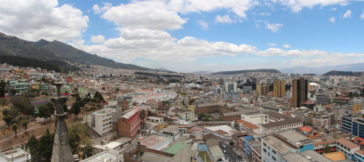 Panorama Quito depuis la basilique
